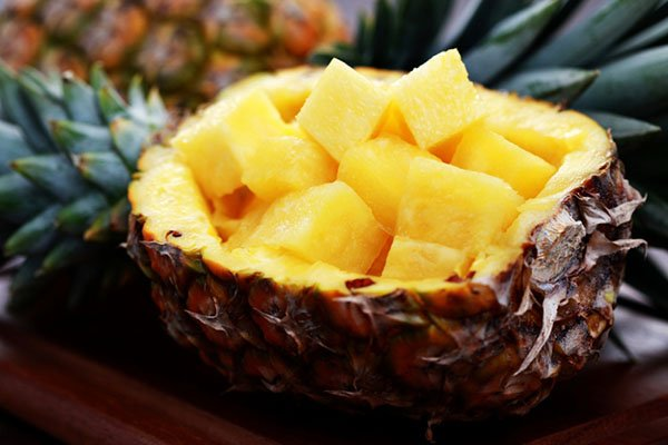 канапе с ананасом
