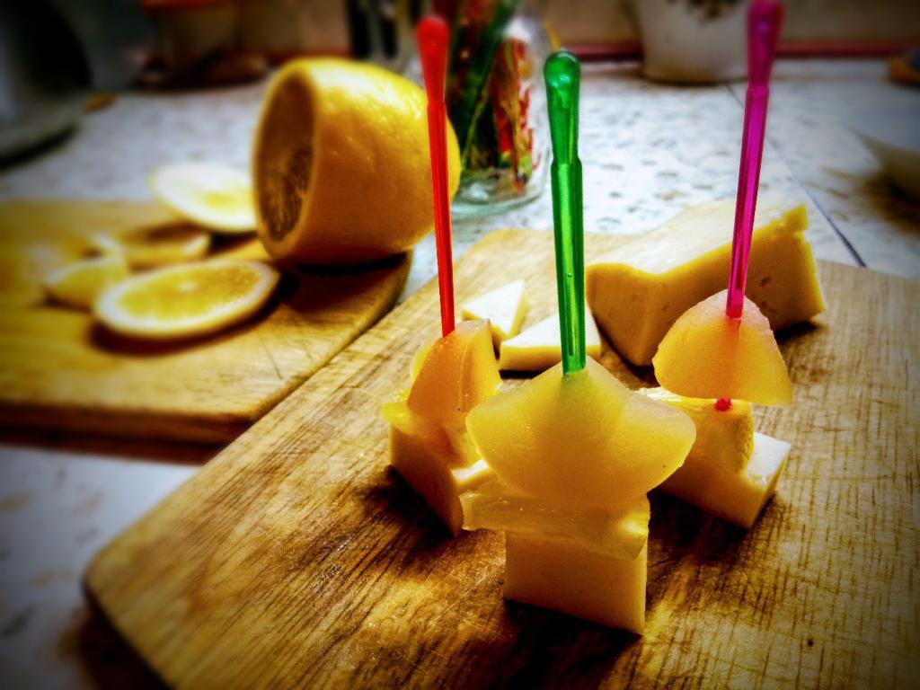 канапе с лимоном