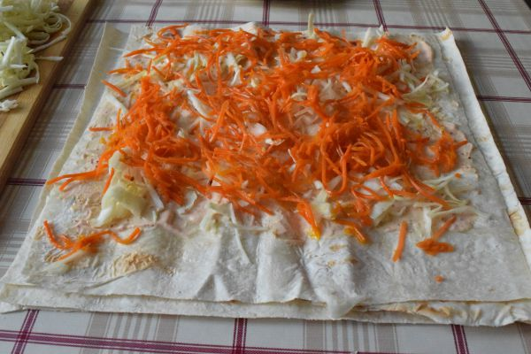 рулет из лаваша с морковкой