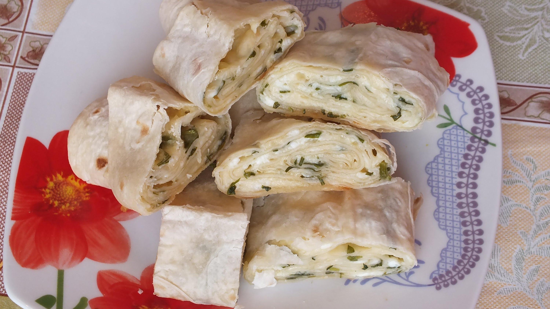 рулет из лаваша с плавленным сыром