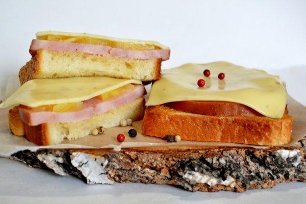 бутерброды с ананасом