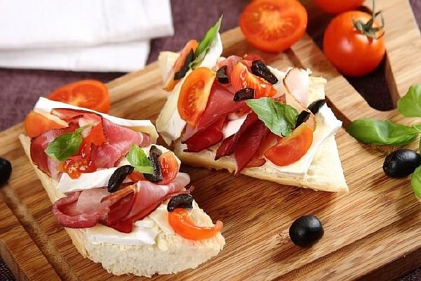 бутерброды с ветчиной