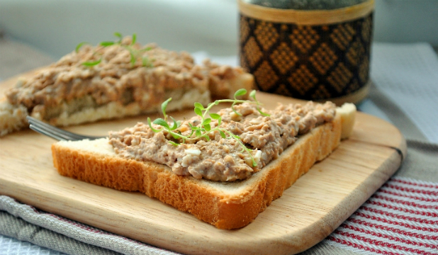 бутерброды с консервами