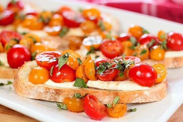 бутерброды с помидорами