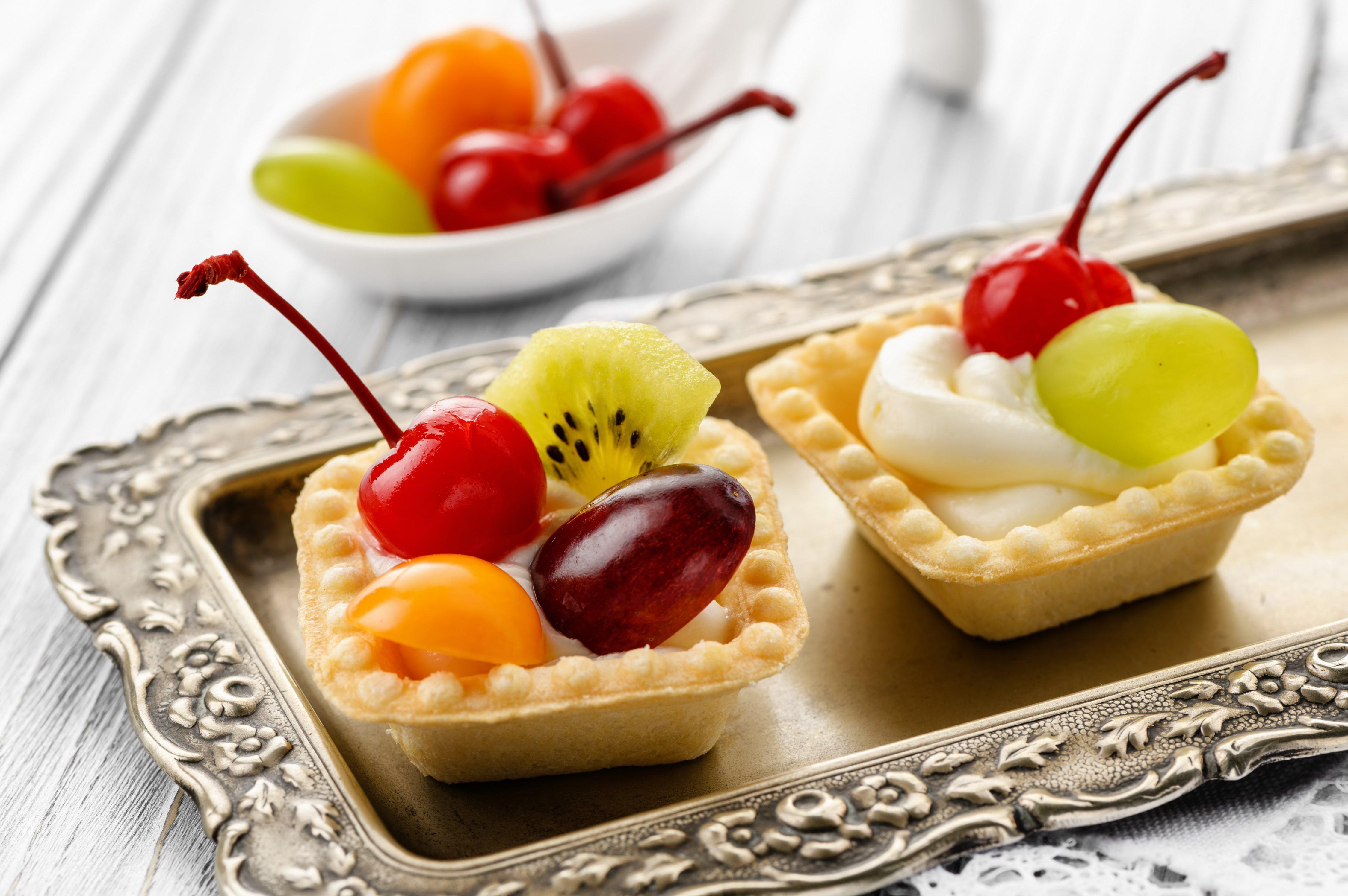 тарталетки с фруктами