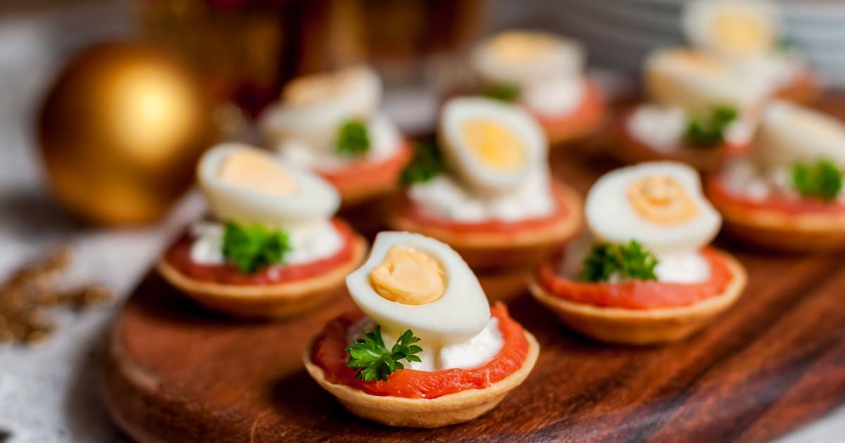 тарталетки с яйцом