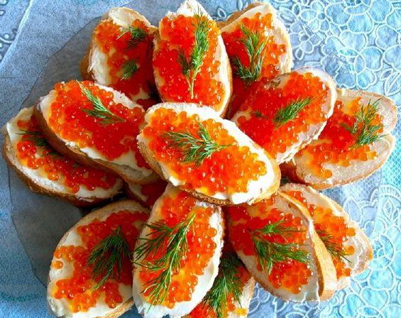 Бутерброды с красной икрой - рецепты приготовления